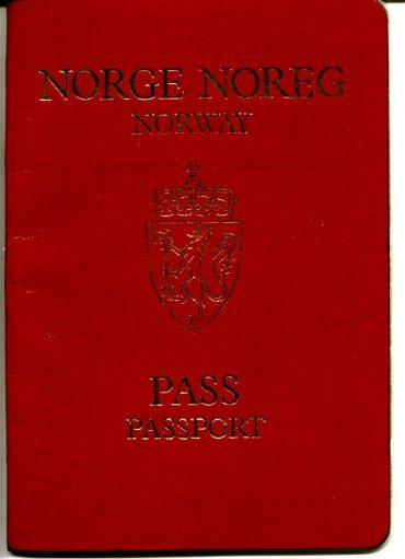 رفع المتطلبات اللغوية للحصول على الجنسية هو تحدي لمشورة المختصين Norsk pass04 370x511