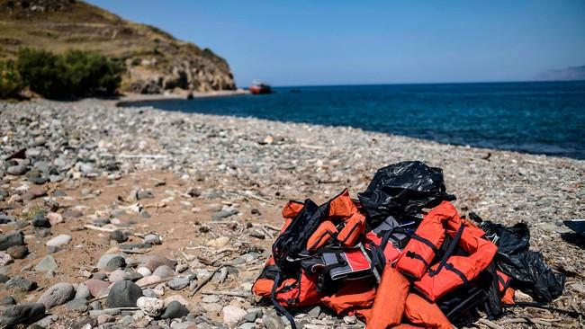 في قضية هي الأولى من نوعها: الشرطة اليونانية تحقق مع رجل بتهمة تعريض ابنه للخطر في المتوسط ExQD NsA SFCjKBdt4STgwxwm9gUrQDEc FBmvNV A Q