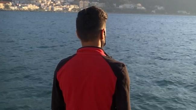 في قضية هي الأولى من نوعها: الشرطة اليونانية تحقق مع رجل بتهمة تعريض ابنه للخطر في المتوسط u9sgXiwWcWHgkOCJEvdC wuhLq1 5IUvvrM9q6s2Fpog