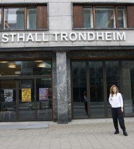 لقاء مع ستيفاني هيسلر: مديرة Kunsthall Trondheim DSC0880 270x300