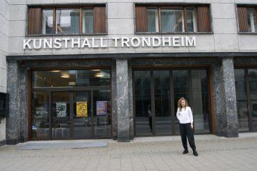 لقاء مع ستيفاني هيسلر: مديرة Kunsthall Trondheim DSC0880 370x246