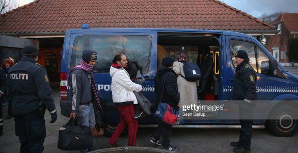 الدنمارك أول دولة تبدأ بإعادة اللاجئين السوريين gettyimages 503572664 2048x2048 1 585x300