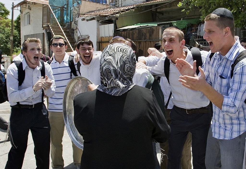 حيّ الشّيخ جراح.. كم مرّة على الفلسطينيّ أن يُهَجّر؟                          2008