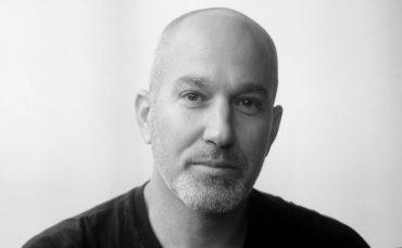 يوناتان شابيرا، إسرائيلي يناضل في وجه الفصل العنصري في إسرائيل y shapira 370x229