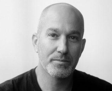 يوناتان شابيرا، إسرائيلي يناضل في وجه الفصل العنصري في إسرائيل y shapira 370x300