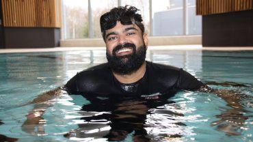 أبو بكر أبو حسين: تعلمت السباحة من أجل أولادي 3ulRgm7twd9ZNuQYRT0dswFcrHMIz0I3HwEONZ4SMhJg 370x208