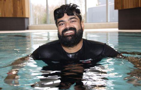 أبو بكر أبو حسين: تعلمت السباحة من أجل أولادي 3ulRgm7twd9ZNuQYRT0dswFcrHMIz0I3HwEONZ4SMhJg 470x300