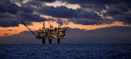 ما هو موقف الأحزاب النرويجية من الثروة النفطية في البلاد؟ shutterstock 1334048534 270x122